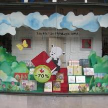 MK Nebotičnik: akcija otroških knjig Tja kjer so pravljice doma, aranžerski oddelek, Barbi Benko, Brigita Gartner, Simon Klešnik