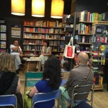 V knjigarni MK na Trubarjevi je pogovor z Markom Jenšterle vodila Katarina Modic.